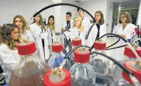 Diari ARA: uns assessors mèdics ben especials