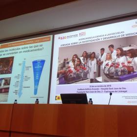 Los niños y jóvenes del consejo científico del Hospital Sant Joan de Déu acercan el mundo de los ensayos clínicos a 400 estudiantes de secundaria
